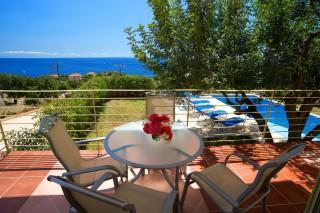 villa-astra-balcony