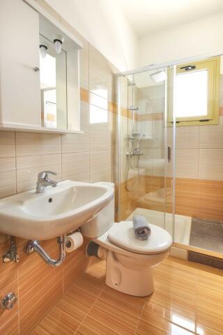 accommodation astra villas kefalonia shower